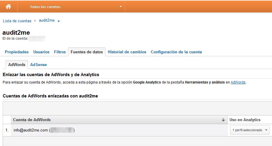 Captura de pantalla de la opción enlazar cuentas de Adwords y Analytics